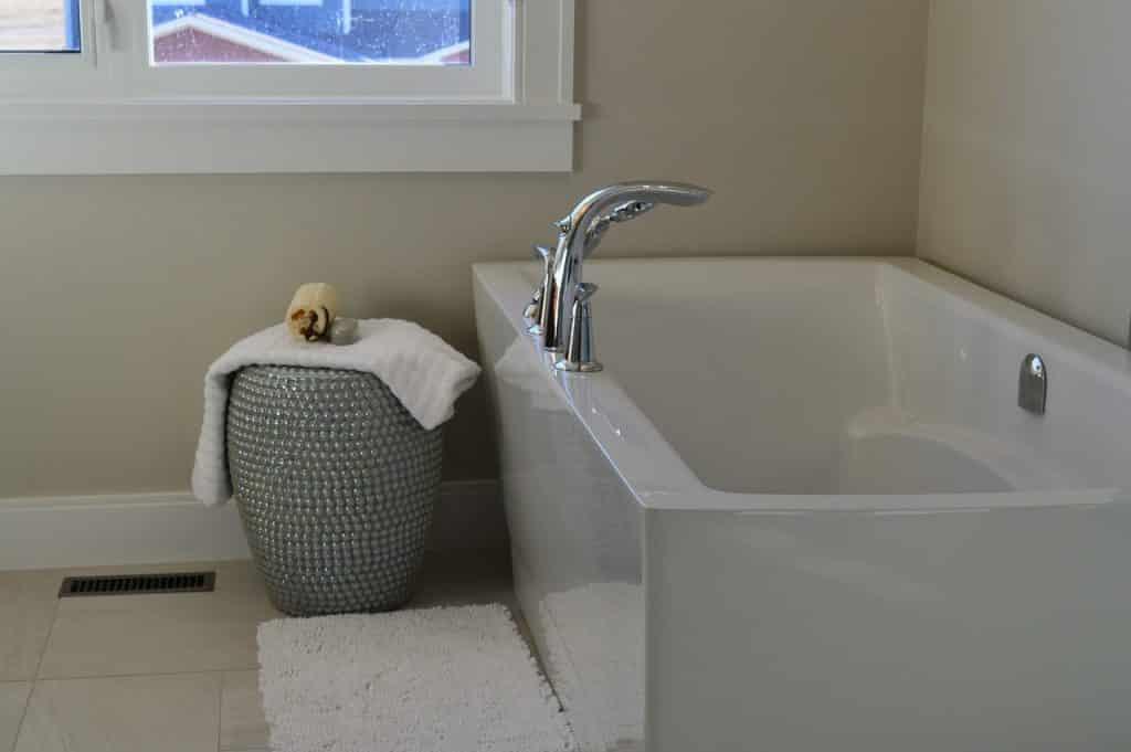 modèles de baignoire balnéo