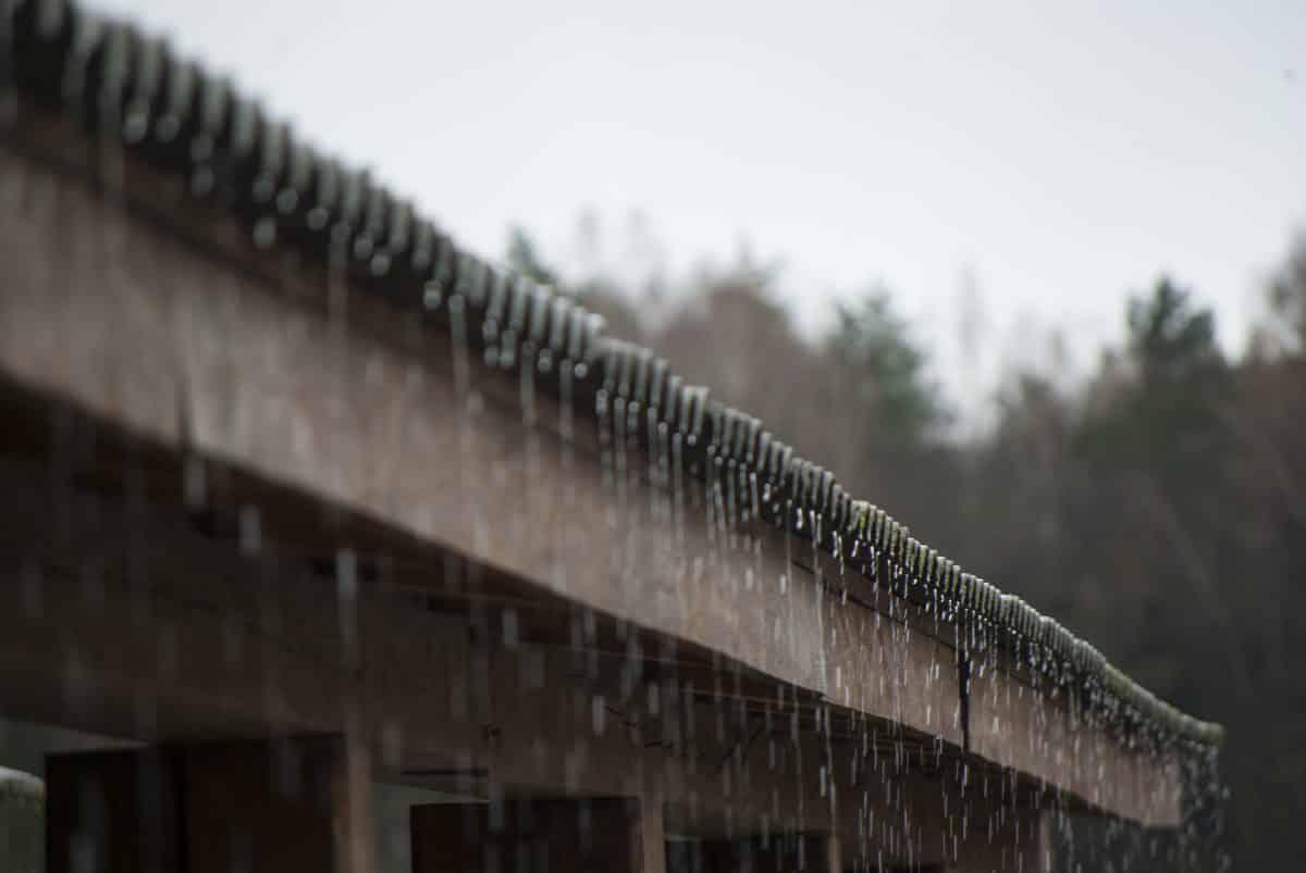 comment récupérer l'eau de pluie sans gouttière