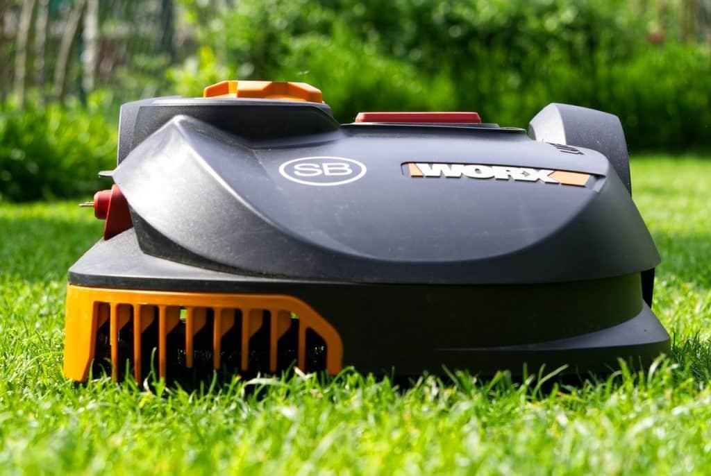 entretien de jardin outils pour tondre pelouse