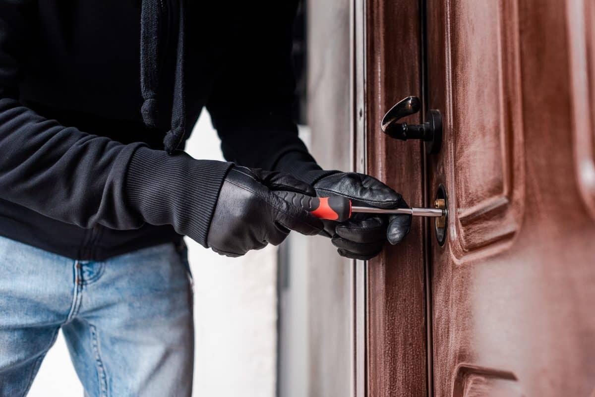 comment dissuader les cambrioleurs autour de sa maison