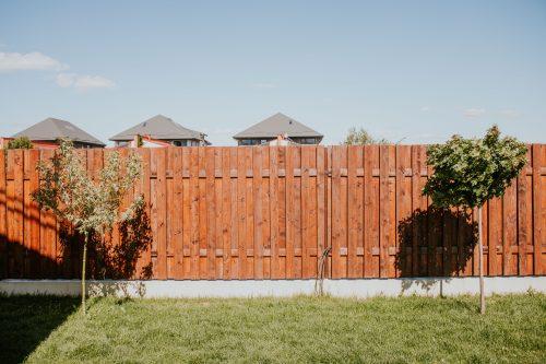 installer une clôture autour de sa maison au Mans